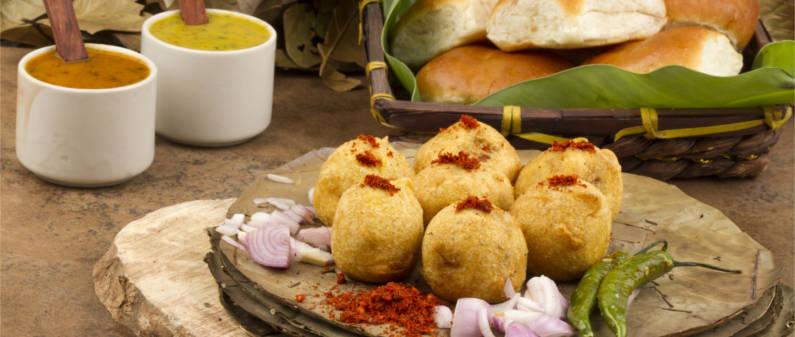 kothimbir vadi, thalipeeth, misal pav, vada pav, Maharashtrian food, Mumbai, India, Dubai